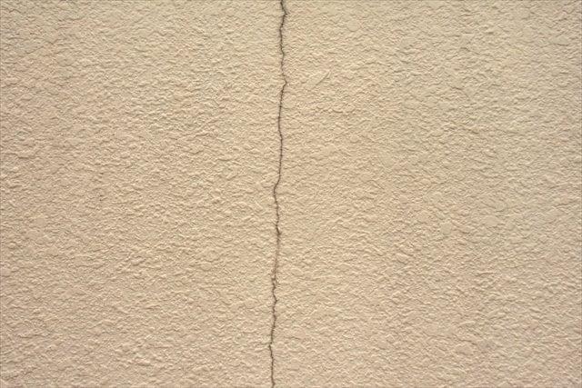 寝屋川市で外壁塗装を必要としているなら身近な工務店へ~色落ち後の塗り替え、ひび割れの補修も相談受付中~
